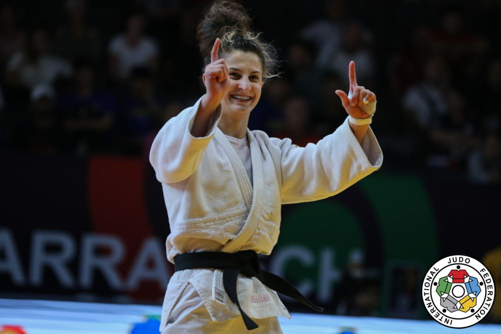Eter Liparteliani - the first Georgian female World Champion
